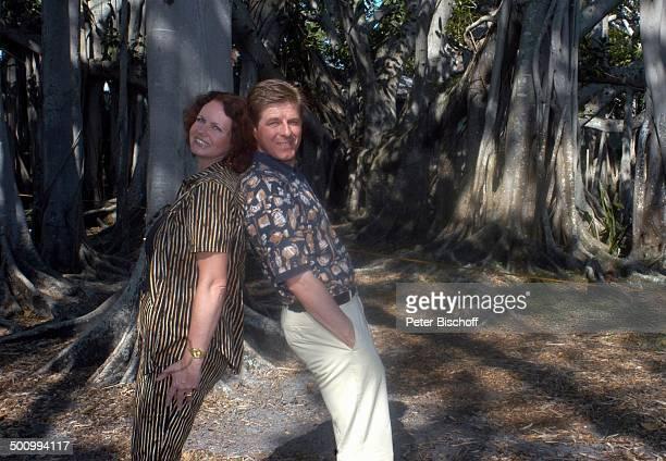 Eva Kummeth Ehemann Horst Hummeth am Rande der Dreharbeiten zum ZDFFilm FloridaTräume Fort Myers USA Amerika Urlaub verliebt PNr 993/2005 Ehefrau...
