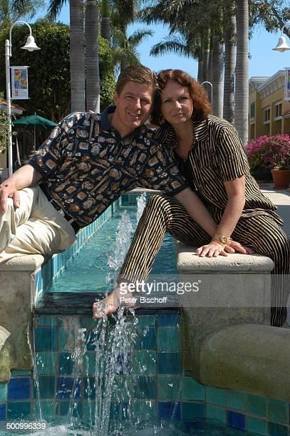 Eva Kummeth Ehemann Horst Hummeth am Rande der Dreharbeiten zum ZDFFilm FloridaTräume Einkaufszentrum von Fort Myers USA Amerika Urlaub verliebt PNr...