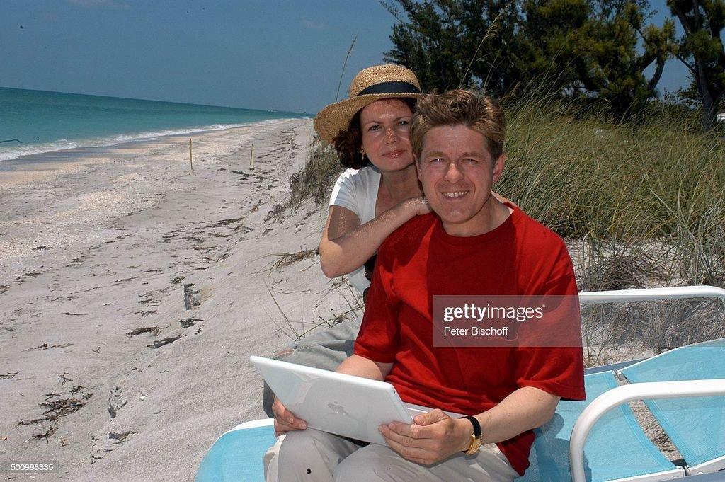 Eva Kummeth, Ehemann Horst Hummeth, am Rande der Dreharbeiten zum ZDF-Film 'Florida-Träume', Insel Cap Captiva, Fort Myers, USA, Amerika, Urlaub, verl : News Photo