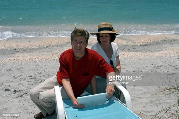 Eva Kummeth Ehemann Horst Hummeth am Rande der Dreharbeiten zum ZDFFilm FloridaTräume Insel Cap Captiva Fort Myers USA Amerika Urlaub verliebt PNr...