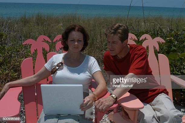 "Eva Kummeth, Ehemann Horst Hummeth, am Rande der Dreharbeiten zum ZDF-Film ""Florida-Träume"", Insel Cap Captiva, Fort Myers, USA, Amerika, Urlaub,..."