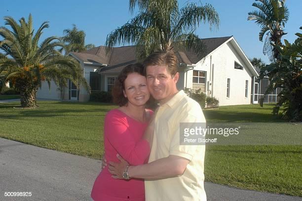 Eva Kummeth Ehemann Horst Hummeth am Rande der Dreharbeiten zum ZDFFilm 'FloridaTräume' Fort Myers USA Amerika Ferienhaus Urlaub verliebt PNr...