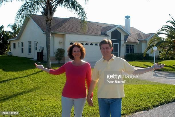 "Eva Kummeth, Ehemann Horst Hummeth, am Rande der Dreharbeiten zum ZDF-Film ""Florida-Träume"", Fort Myers, USA, Amerika, Ferienhaus, Urlaub, verliebt,..."