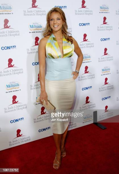 Eva La Rue during Runway For Life Benefiting St Jude Children's Research Hospital Arrivals at Beverly Hilton in Beverly Hills California United States