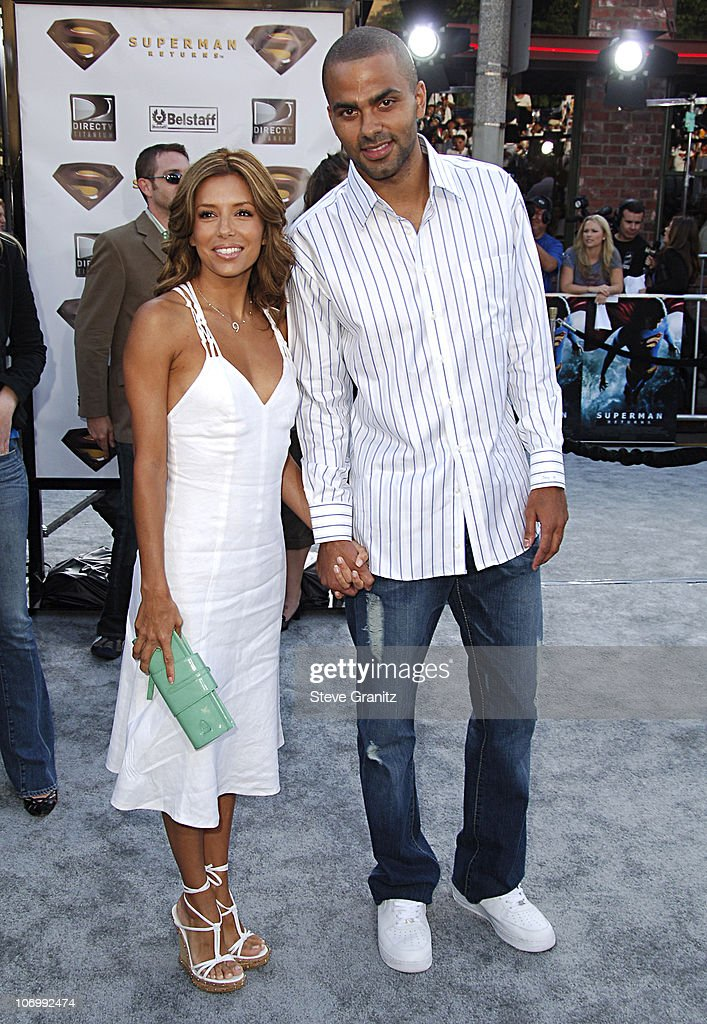 Eva Longoria and Tony Parker during World Premiere of 'Superman Returns' - Arrivals at Mann's Village and Bruin Theaters in Westwood, California, United States.