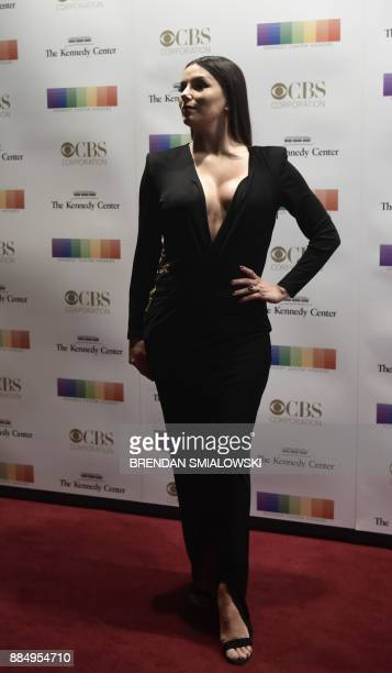 Eva Longoria arrives for the 40th Annual Kennedy Center Honors in Washington DC on December 3 2017 / AFP PHOTO / Brendan Smialowski
