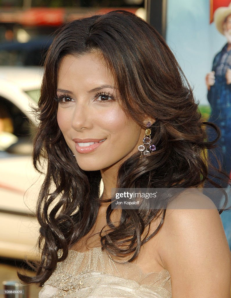 Eva Longoria during 'The Dukes Of Hazzard' Los Angeles Premiere - Arrivals at Grauman's Chinese Theatre in Hollywood, California, United States.