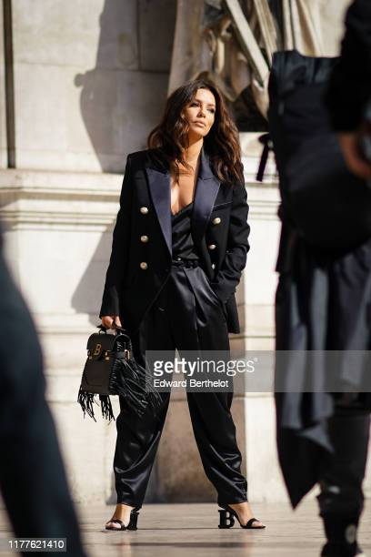 Eva Longoria is seen outside Balmain during Paris Fashion Week Womenswear Spring Summer 2020 on September 27 2019 in Paris France