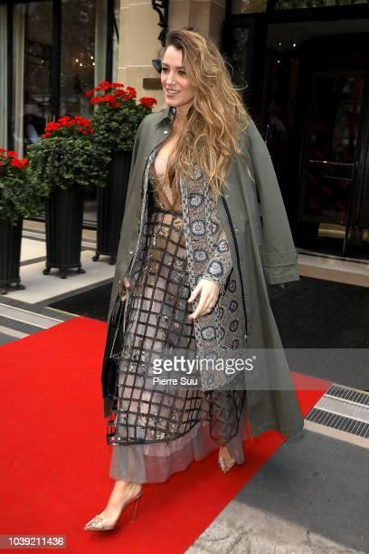 Eva Longoria leaves a restaurant on September 24 2018 in Paris France