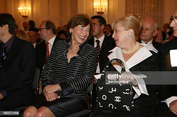 Eva Luise Köhler Und Judith Edelstein Bei Der Jubiläumsgala Zugunsten Des Chaim Sheba Medical Center In Tel Aviv Im Schloss Bellevue In Berlin Am...