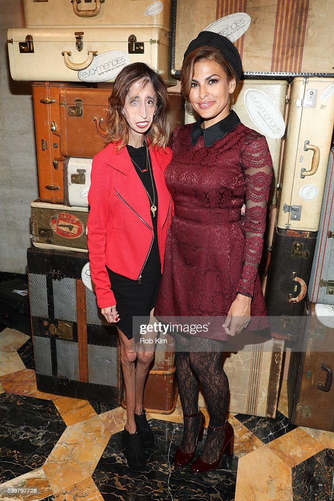 Eva Mendes + New York & Company - Front Row & Backstage - September 2016 - New York Fashion Week