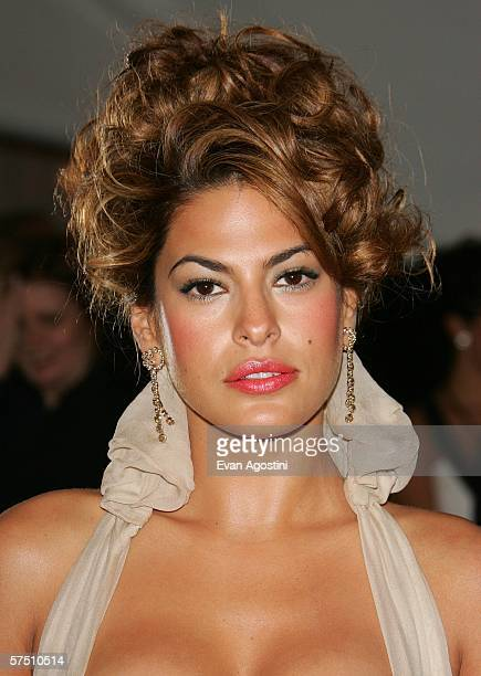 Eva Mendes attends the Metropolitan Museum of Art Costume Institute Benefit Gala Anglomania at the Metropolitan Museum of Art May 1 2006 in New York...