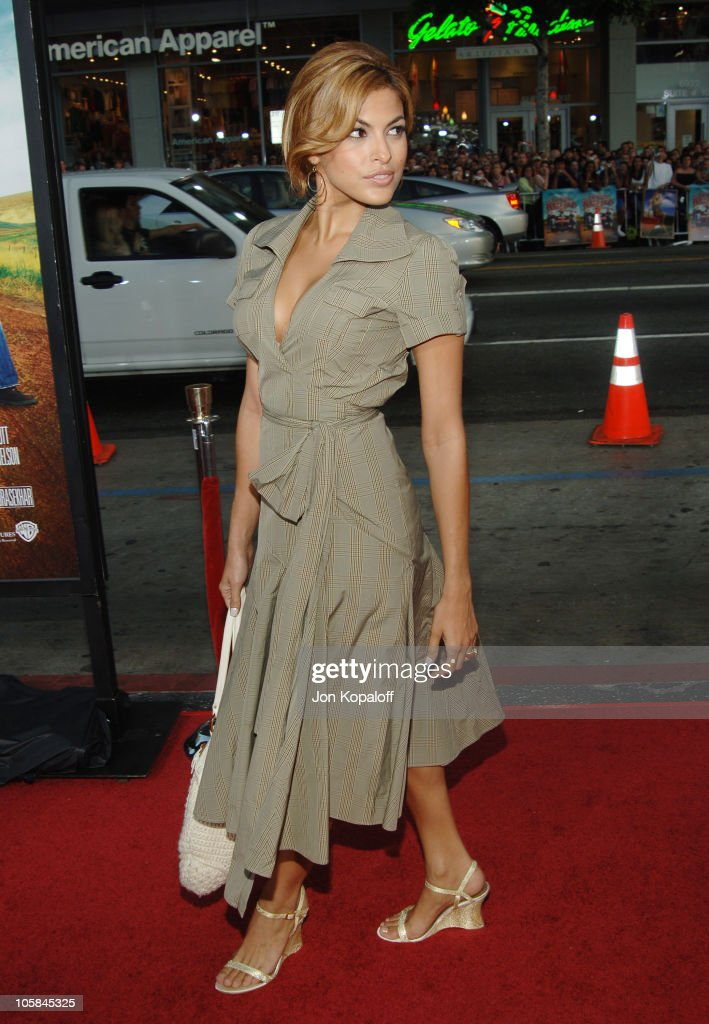 Eva Mendes during 'The Dukes Of Hazzard' Los Angeles Premiere - Arrivals at Grauman's Chinese Theatre in Hollywood, California, United States.