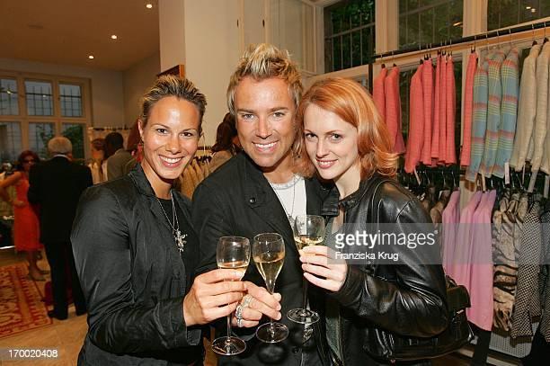 Eva Miriam Gerstner musical star Uwe Kröger And GZSZ Natalie Alison For Dress For Success In Berlin