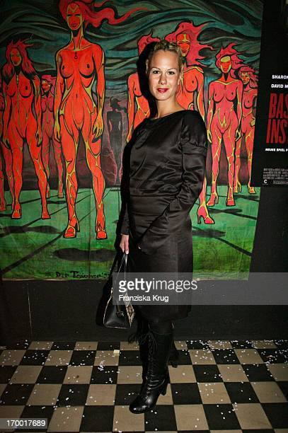 Eva Miriam Gerstner On at After Show Party in Kit Kat Club after the premiere of Basic Instinct 2 with a Painting by Vigor Calma aka Der Traumer in...
