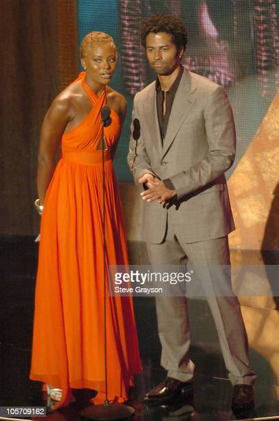 Eva Pigford and Eric Benet presenters for Best RB/Sould Single Group Band or Duo