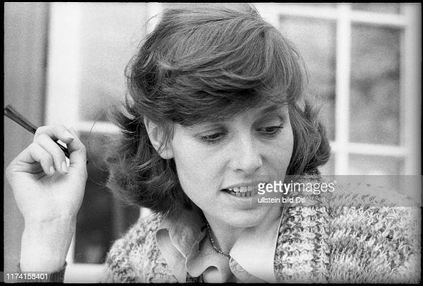 Eva Renzi actress 1974