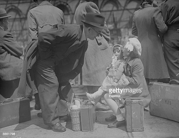 Evacuees in transit during World War II