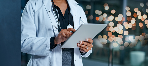 Evaluating healthcare reports 1035963640