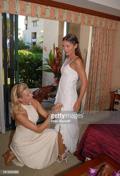 """Eva-Maria Grein , Katja Woywood , Dreharbeiten zur ZDF-Reihe """"Kreuzfahrt ins Glück"""", Folge 3: """"Hochzeitsreise nach Hawaii"""", Grand Hyatt-Hotel, Kauai,..."""