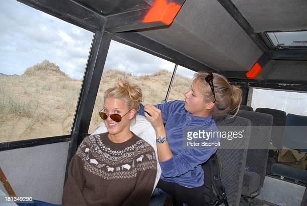 """Eva-Maria Grein , Maskenbildnerin , am Rande der Dreharbeiten zur ZDF-Reihe """"Kreuzfahrt ins Glück"""", Folge 2: """"Hochzeitsreise nach Neuseeland"""",..."""