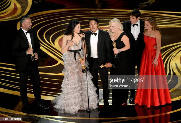 Evan Hayes Elizabeth Chai Vasarhelyi Jimmy Chin Shannon Dill Alex Honnold and Sanni McCandless accept the Documentary award for 'Free Solo' onstage...