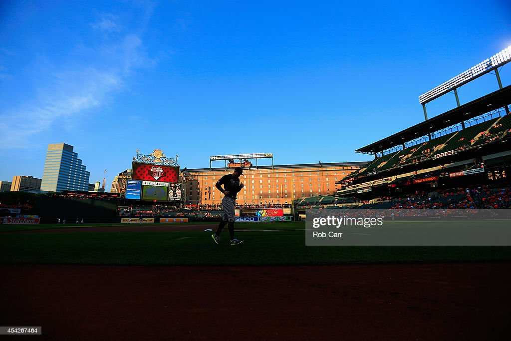 Evan Longoria #3 of the Tampa Bay Rays warms up before the start of their game against the Baltimore Orioles at Oriole Park at Camden Yards on August 27, 2014 in Baltimore, Maryland.