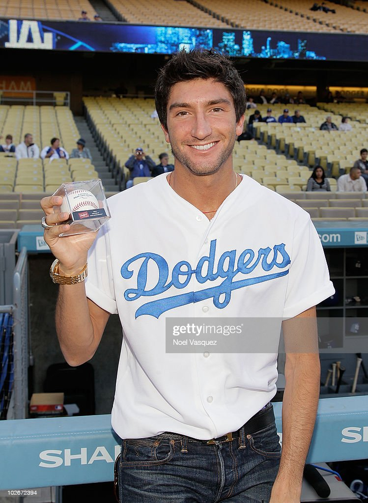 Celebrity Sightings At The Dodgers Game - July 6, 2010 : News Photo