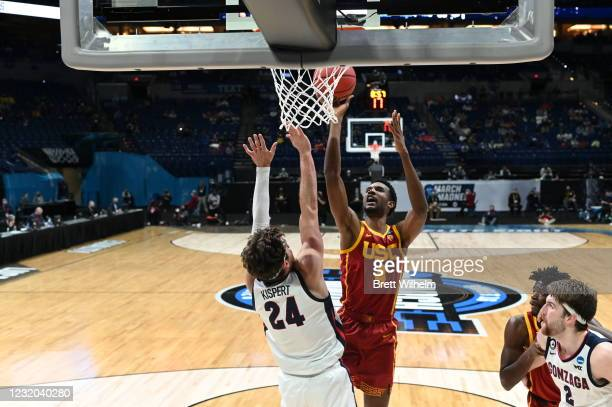 Evan Mobley of the USC Trojans shoots over Corey Kispert of the Gonzaga Bulldogs in the Elite Eight round of the 2021 NCAA Division I Men's...