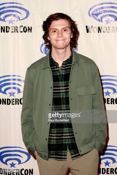 Evan Peters attends the Dark Phoenixˆ press line during WonderCon 2019 at Anaheim Convention Center on March 29 2019 in Anaheim California