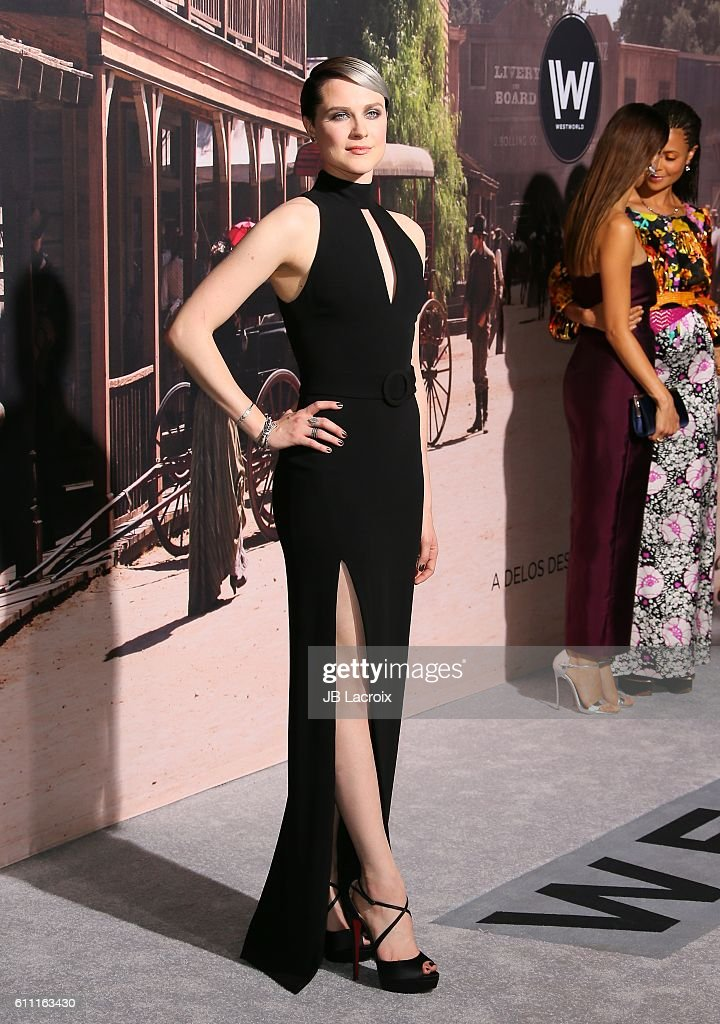 """Premiere Of HBO's """"Westworld"""" - Arrivals : News Photo"""