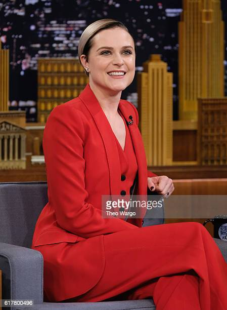 Evan Rachel Wood Visits 'The Tonight Show Starring Jimmy Fallon' on October 24 2016 in New York City