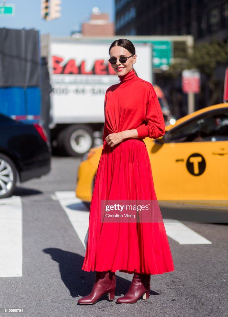 New York Fashion Week - Street Style - Day 7 : Nachrichtenfoto