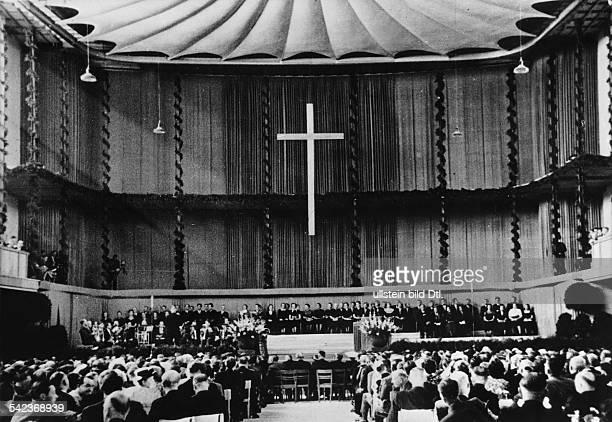 Evangelischer Kirchentag in Essen:Eröffnungsfeier im Essener Saalbau- 1950