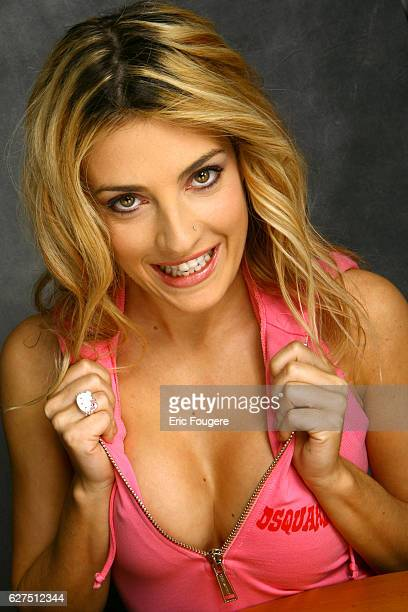 Eve Angeli on the set of TV show Les Grands du Rire