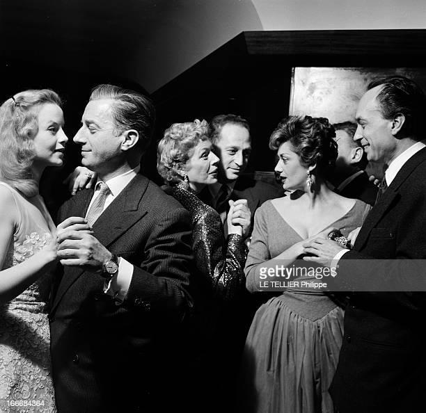Eve At The Elysee Club And At The Admiral Paris 31 décembre 1955 soirée de réveillon à l'Elysée Club Claude DAUPHIN dansant en couple au centre...
