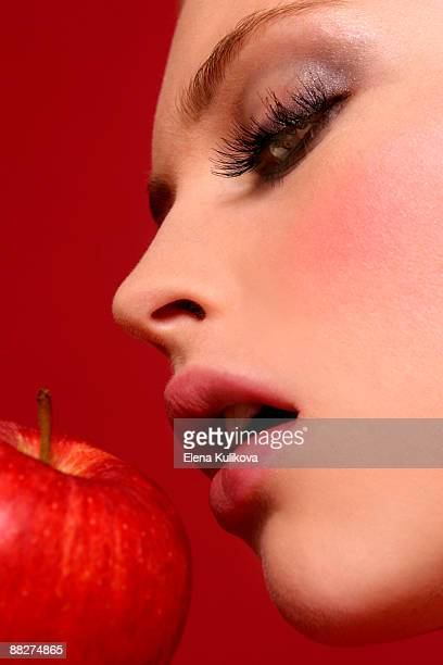 Eve bites the Apple