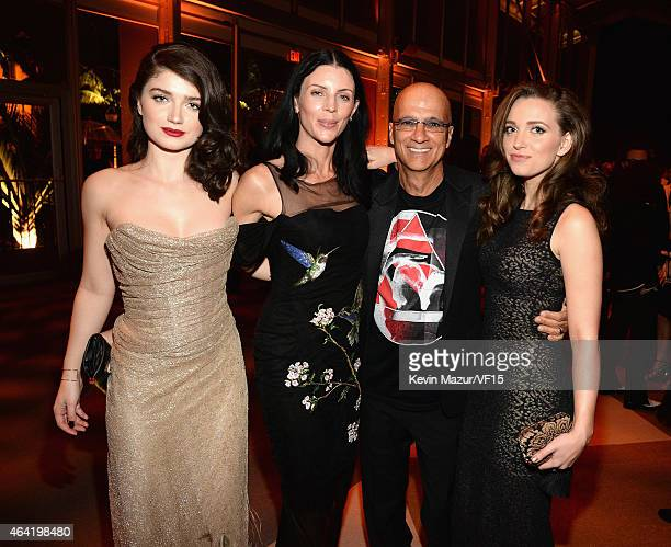 Eve Hewson Liberty Ross Jimmy Iovine and Jordan Hewson attend the 2015 Vanity Fair Oscar Party hosted by Graydon Carter at the Wallis Annenberg...