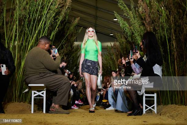 Eve Powell-Jobs walks the runway during the Coperni Womenswear Spring/Summer 2022 show as part of Paris Fashion Week on September 30, 2021 in Paris,...