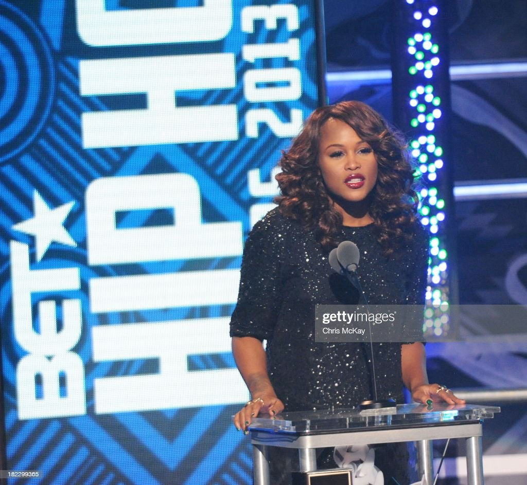 Eve presents the I Am Hip Hop Award during the BET Hip Hop Awards 2013 at the Boisfeuillet Jones Atlanta Civic Center on September 28, 2013 in Atlanta, Georgia.