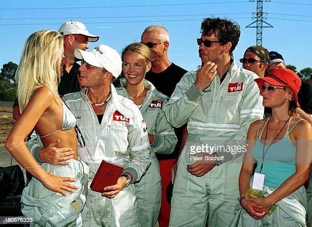 Eve Scheer Martin Semmelrogge Petra Schwers Thomas Heinze Dorkas Kiefer Star Kart Rennen 2001 Mallorca/Spanien/Europa Sonnenbrille Mütze Umarmung...