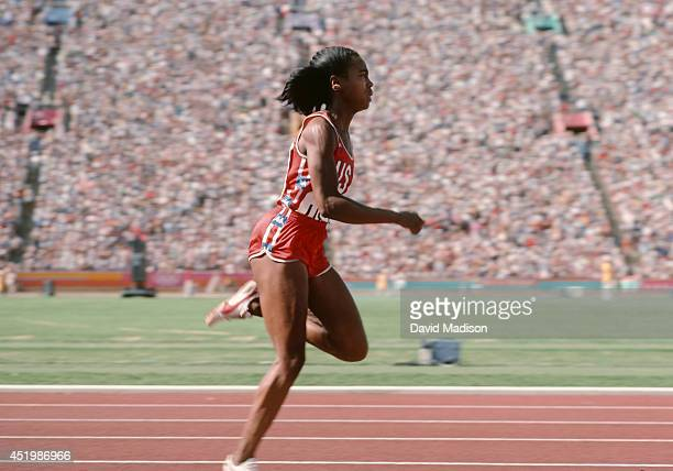 Evelyn Ashford of the USA runs the anchor leg of the Women's 4x100m relay final of the track and field competition of the 1984 Olympic Games on...