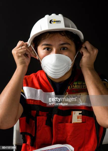 Evelyn De Sollano Luna a 21yearold criminology student who volunteered to unload provisions and food after the 71 earthquake that hit Mexico on...