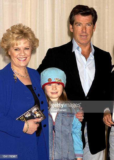 Evelyn Doylesophie Vavasseur And Pierce Brosnan Press Conference For New Pierce Brosnan Movie Evelyn At The Claridges Hotel London