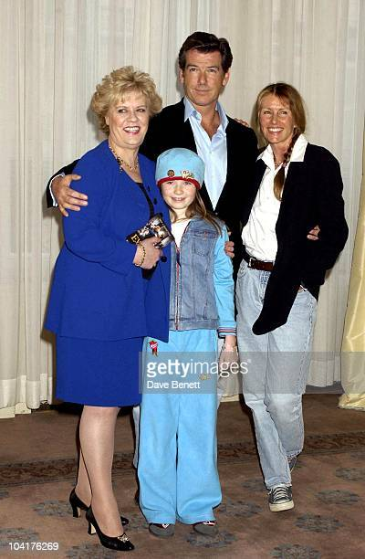 Evelyn Doylesophie Vavasseur Pierce Brosnan And Beau St Clair Press Conference For New Pierce Brosnan Movie Evelyn At The Claridges Hotel London