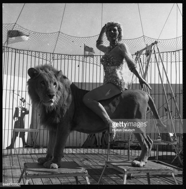 Evelyn Working One Of Her Animals At Steel Pier Show