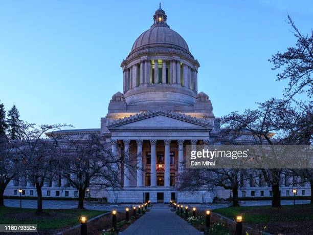 evening at the washington state capitol - olympia washington state stock pictures, royalty-free photos & images