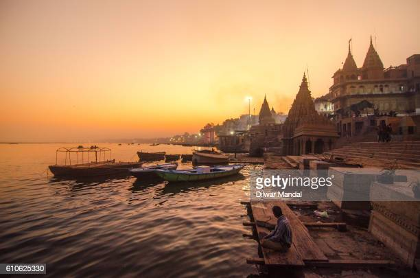 evening at varanasi - ganges river stock pictures, royalty-free photos & images
