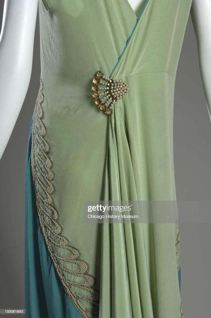 Evening Dress : News Photo