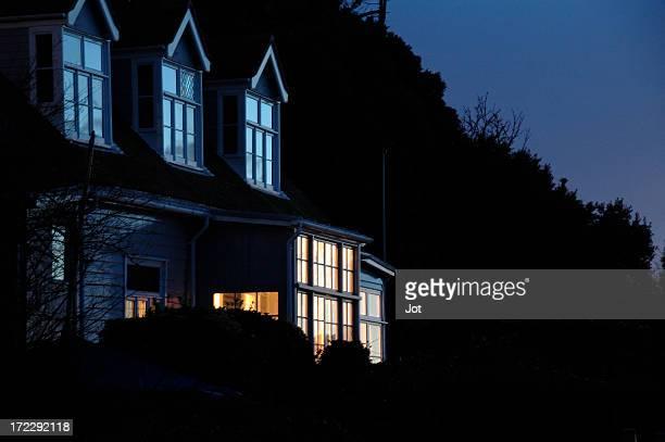 Maison en soirée
